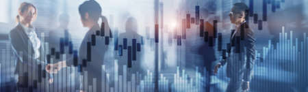 Candles and stock market charts on abstract background. Silhouettes and modern city. Foto de archivo - 152310736