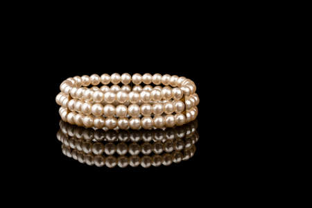 refelction: Pearl bracelet with refelction on black backgrund Stock Photo