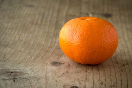 mandarine: fresh natural organic mandarine on wooden table