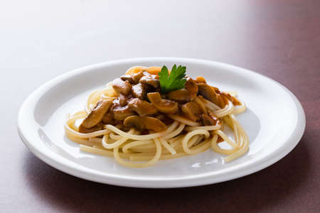 plate: champignon mushroom spaghetti