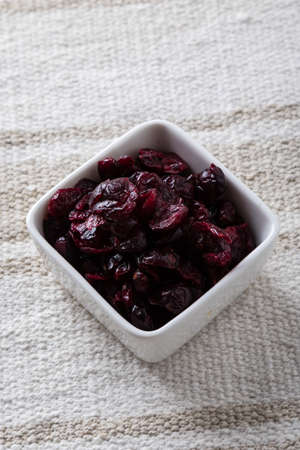 cranberry fruit: sweeet cranberry fruit in a white bowl