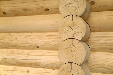 fragment of the new house made only of wooden logs Standard-Bild