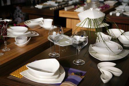 cuisine entertainment: elegant service in luxury restaurant