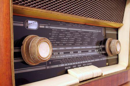 Alte antike Holz-Radio meiner Großeltern Standard-Bild - 751017