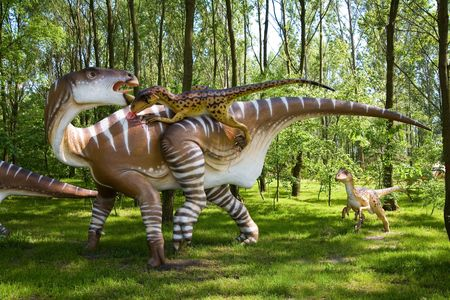 Jurrasic park - set of dinosaurs - fight between Iguanodon bernissartensis and Deinonychus antirrhopus