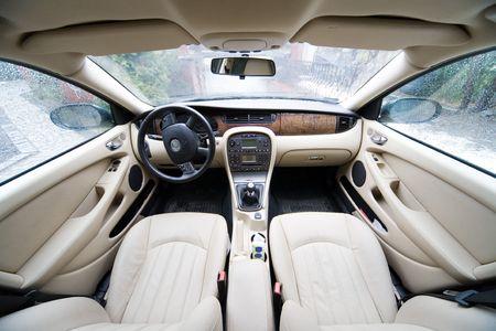 asiento coche: interior de exclusiva limusina - foto tomada por la lente 12-24mm a 12mm  Foto de archivo