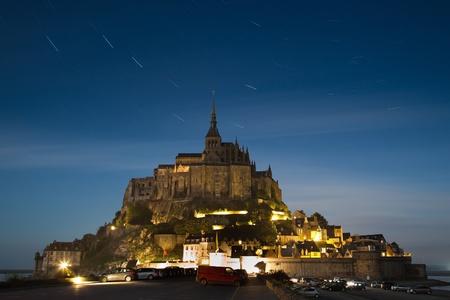 mont saint michel: Mont Saint-Michel at midnight