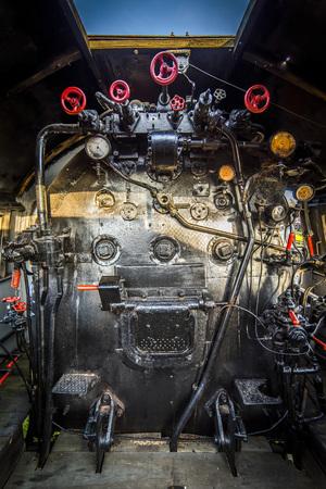 Sala de máquinas de una locomotora de vapor