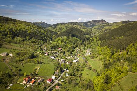 Valley of Lomnica in Sudetes Standard-Bild