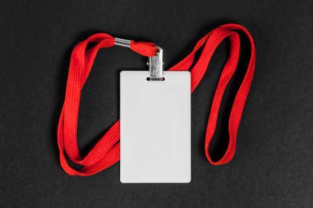 ID de carte vide / icône avec une ceinture orange sur un fond noir. Espace pour le texte. Banque d'images - 91214918