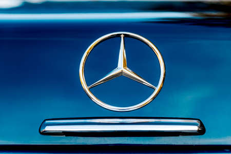Russia, Tambov, 10.20: Mercedes Benz logo close-up. Mercedes-Benz is a German automobile manufacturer. The brand is used for luxury cars, buses, intercity buses, and trucks. 에디토리얼