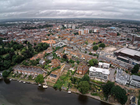Aerial view on Chester, river, terraced housing and city Standard-Bild