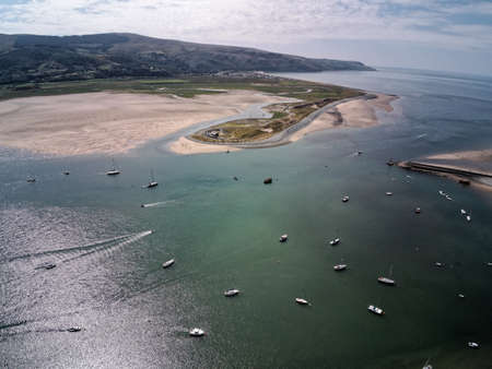 Aerial view, Drone panorama over sea, harbor, beach of Barmouth, Wales Standard-Bild
