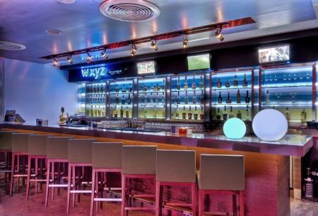 cafe bar: WXYZ lounge
