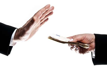 corrupcion: Hombre de negocios tomar dinero ofrecido por la mujer de negocios