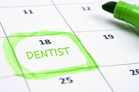 Marca de calendario con el dentista
