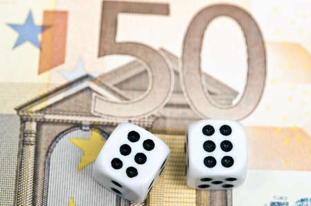 fifty euro banknote: Dice on fifty euro banknote