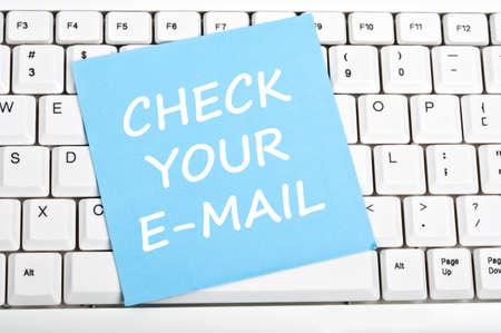 Email: �berpr�fen Sie Ihre e-Maail Mesage auf Tastatur