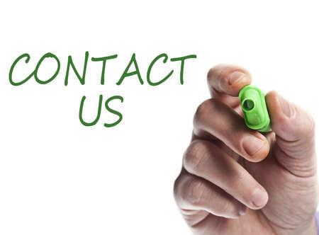 contact info: Scrittura a mano con indicatore verde contattaci