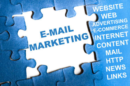 email marketing: E-mail marketing blue puzzle pieces