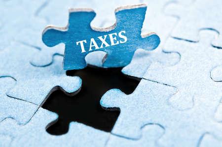 impuestos: Pieza de impuestos de rompecabezas stand up