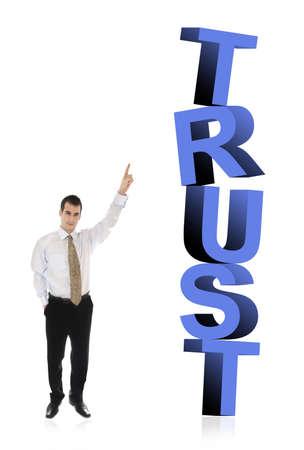 finer: Hombre de negocios que apunta a confiar en la palabra