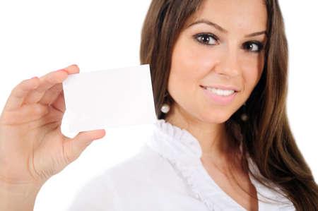alzando la mano: Mujer aislada negocio joven que muestra la tarjeta Foto de archivo