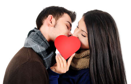 Isolé jeune couple baiser occasionnel Banque d'images