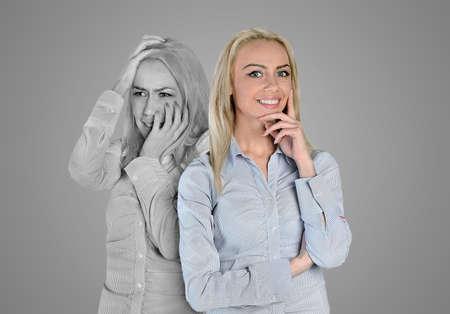 persona deprimida: Cara de la mujer feliz y triste Foto de archivo