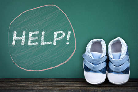 zapatos escolares: Help text on school table and kid shoes
