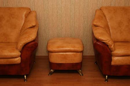 arredamento classico: Eleganti divani - uno interno di un salotto
