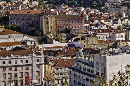 リスボン バイロ ・ アルト地区からダウンタウン、レスタウラド レース地区の一般的なビュー 報道画像