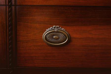 arredamento classico: Immagine di vecchio armadio armadi