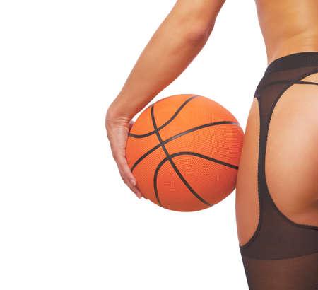 ragazza nuda: Giovane ragazza sexy con pallacanestro