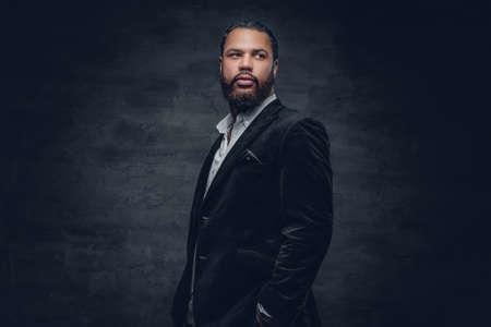Portrait of bearded black man in a wool suit. 스톡 콘텐츠
