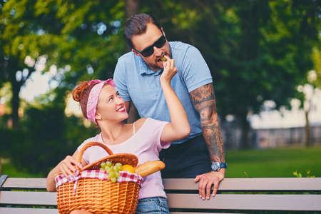 getatoeëerd dating service Hoe e-mail iemand online dating