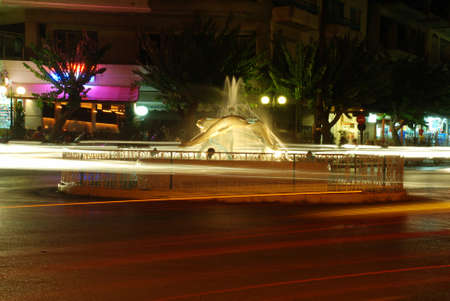 trafic: Fountain at night and trafic with long exposure