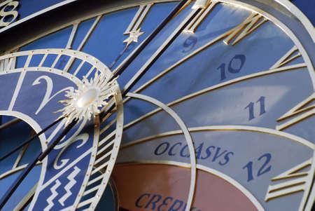 cronologia: Detalle del reloj astron�mico de Praga, Rep�blica Checa