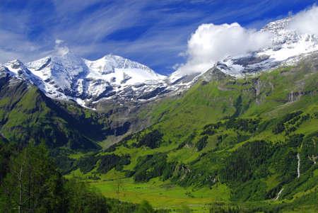 grossglockner: View at alpine mountain peaks - Grossglockner - covered by snow