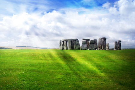 stonehenge: Sun is shinig on the Stonehedge with its rays