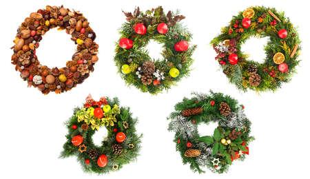 coronas de navidad: Conjunto de hermosas guirnaldas de Navidad aislados sobre fondo blanco