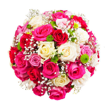 flores de cumpleaños: Hermosa corona ornamental en forma de esfera hecha de rosas naturales multicolores aislados en blanco Foto de archivo