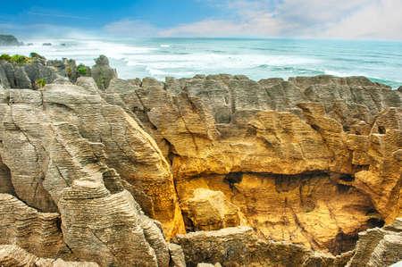 rock strata: Famous pancake rock in Punakaiki, Paparoa national park, New Zealand