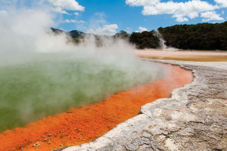 water spring: Frying pan lake is the largest hot water spring in the world. Rotorua, Waimangu geothermal area, New Zealand