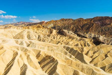 muerte: Badlands del Parque Nacional Valle de la Muerte vistos desde Zabriskie Point. California EE.UU.