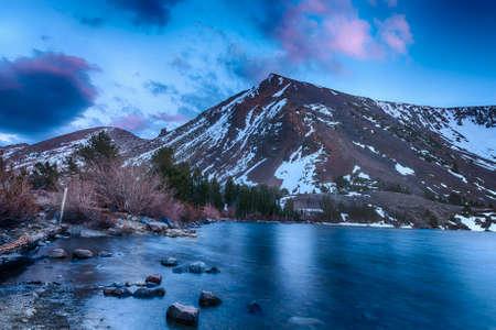 vivid: Beautiful vivid sunset at Big Virginia Lake, Eastern Sierra Nevada. California, USA Stock Photo