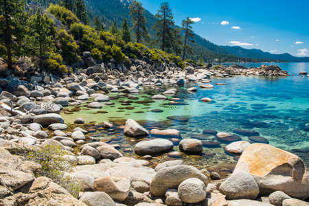 sierra: Beautiful boulders and crystal clear water of the lake Tahoe. Hidden Beach, Lake Tahoe - Nevada, USA