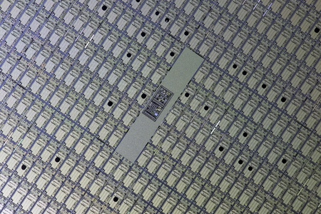 Array of CPU dies on a silicon wafer