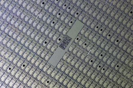 Tableau de CPU meurt sur une plaquette de silicium