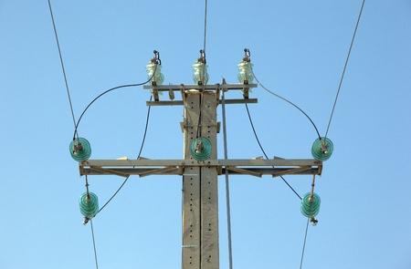 Lignes pyl�ne et puissance au ciel de fil